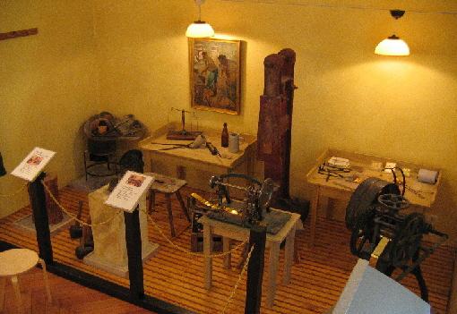 Goldbergbaumuseum--Raum---Goldschlag